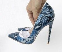 5d91cad88613 Sexy Peau de Serpent Style Femmes Pompes Bout Pointu Mince Talons hauts  Partie Robe De Mariage Chaussures Slip sur Serpent Impri.
