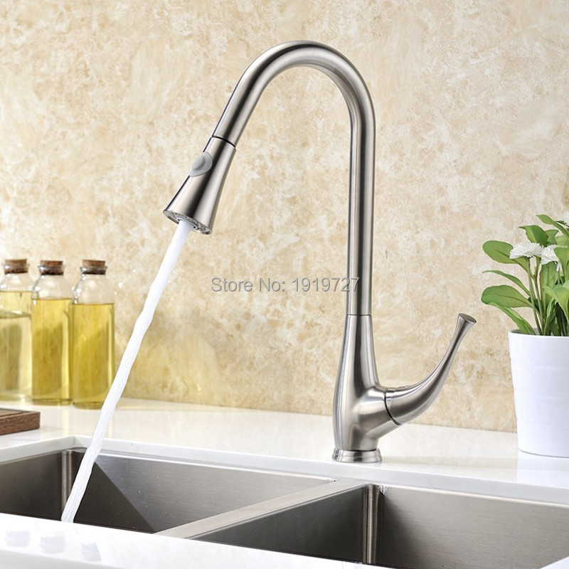 Brushed Chrome Nickel Single Handle Pull Out Kitchen Faucet , Semi Professional Luxury Kitchen Faucets