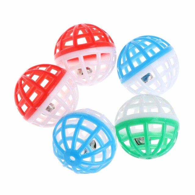 5 pz Gatto Giocattolo Campana Hollow Balls Suono Gioco Pet Gattino di Plastica S