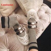 Женские ботинки серого цвета, украшенные кристаллами, с ремешком и пряжкой, кожаные ботильоны, высокие сапоги носки, зимняя обувь на платфор
