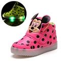 Crianças Sapatos Com Luz LED Popular na Europa Sapatos Meninos outono Inverno Dot Das Meninas Do Esporte Tênis Sapatas Dos Miúdos Dos Desenhos Animados Tamanho 21-30
