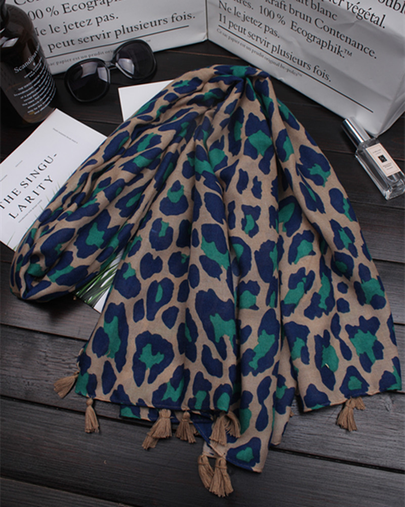 2018 new leopard scarf popular print scarves shawl tassel muslim hijab brand Euro muffler design fashion foulard high quality