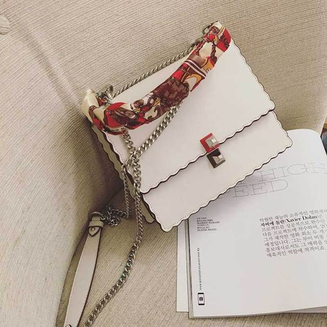 2017 Women Messenger Bags Famous Brand Crossbody Luxury Handbags Wave Women Bags Designer Purse Vintage Rivet Shoulder Bag Chain