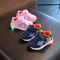 2018 Fashion High Quality LED Light Sneakers Cartoon Baby First Walkers Cute Patchwork Baby Toddlers Love