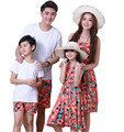 Moda Casual Traje Familia Hijo Establece Sistema de la Ropa de Algodón de La Camiseta Para El Padre Y La Madre Hija Vestidos AF1638