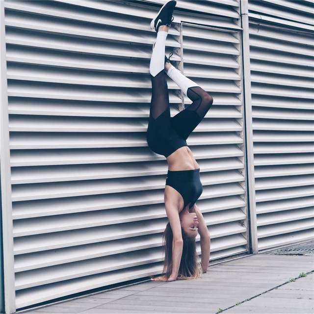 2016 new fashion European style high quality women casual fitness mesh patchwork breathable elastic slim leggings legins pants