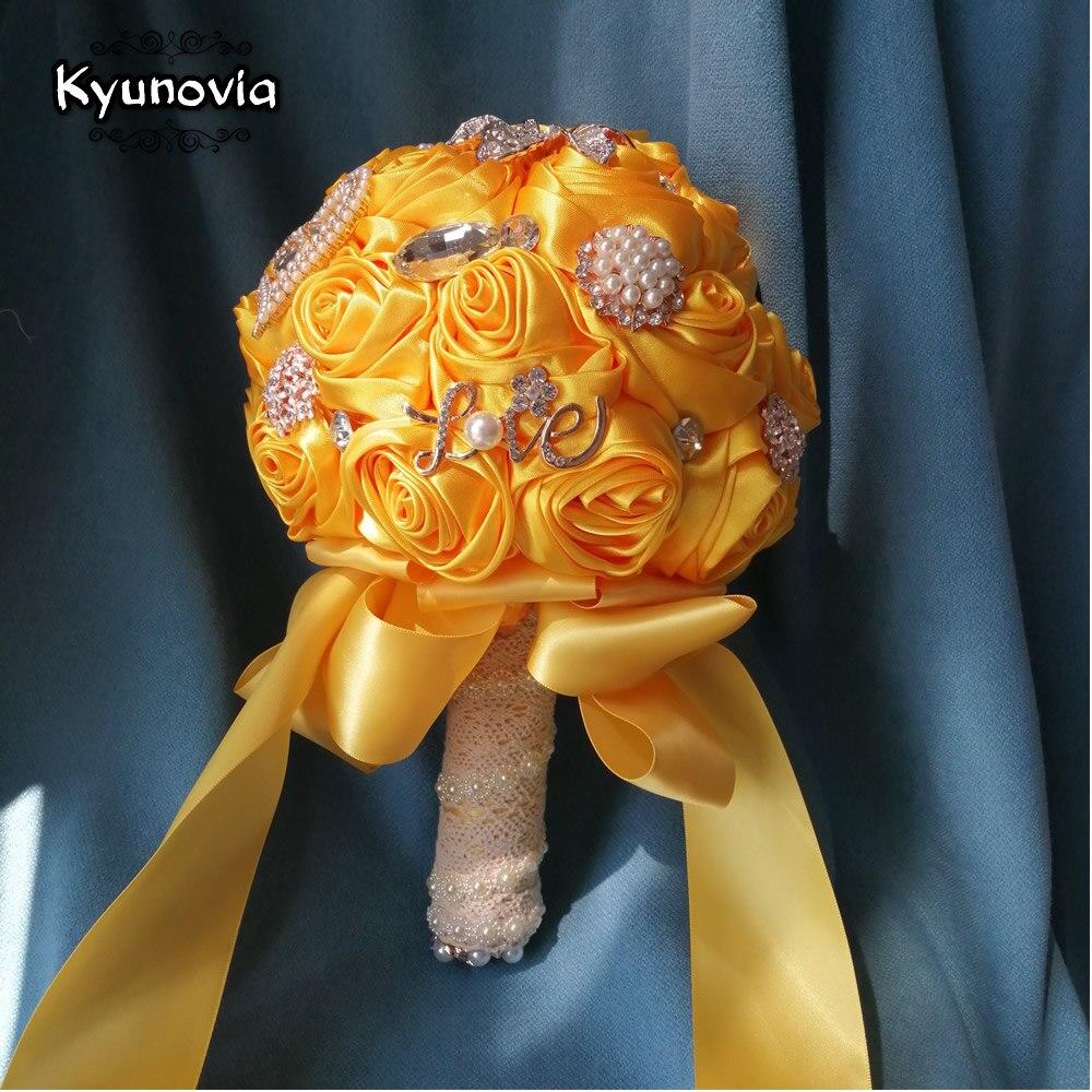 Kyunovia Small 15CM Bridal Wedding Flowers Satin Roses Bride Bouquets Brooch Bouquet Crystals Artificial Wedding Bouquet D130
