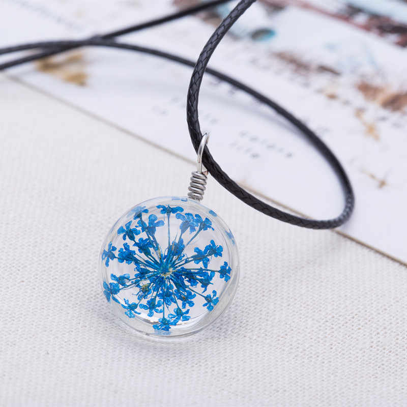 2017 Hot Mode Kristal kaca Bola Rantai Liontin Kalung Wanita Beruntung Semanggi Kalung Panjang Jalur Kulit Keinginan Liontin Perhiasan