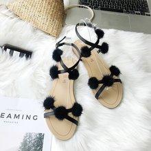 2019 senhoras sandálias de verão nova bola de pelúcia tiras cruzadas fivela desgaste da forma do dedo do pé aberto sandálias flat casuais