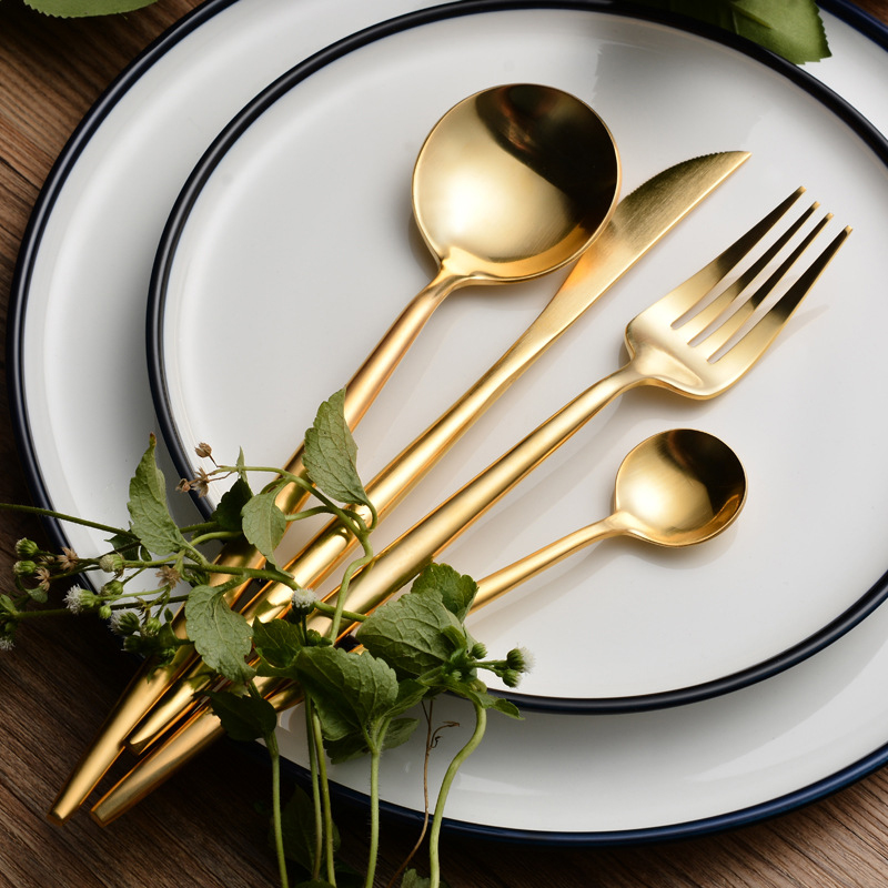 24 Pcs 304 Stainless <font><b>Steel</b></font> Golden Cutlery Set Luxury Restaurant Dinning Set Golden Dinnerware Tableware Knife Fork Desserspoon