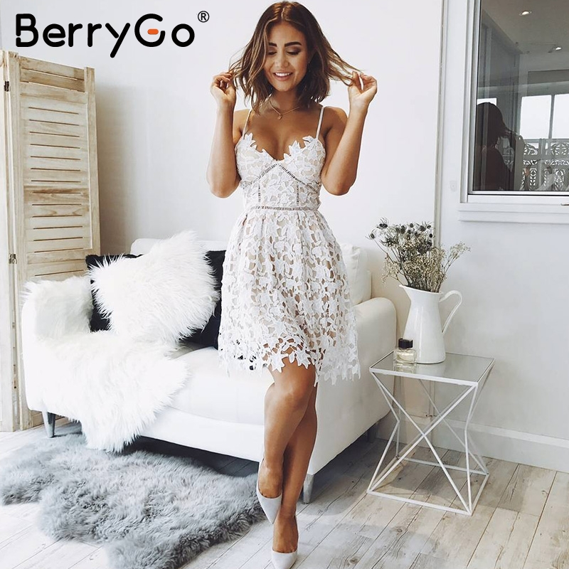 info for ce544 4b7ed BerryGo Profondo Scollo A V imbottito backless abito bianco di pizzo Sexy  scava fuori il vestito da partito vestido de festa Foderato vestito da ...