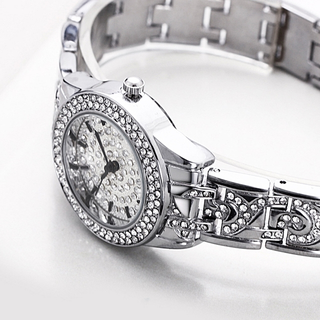 Round Shaped Crystal Decorated Wrist Watch
