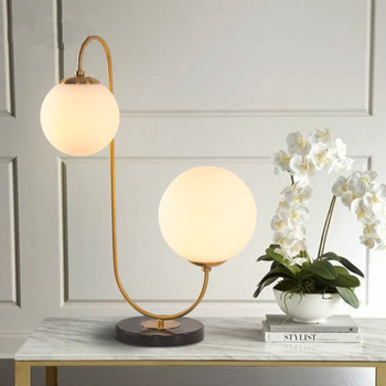 Modern LED masa lambası yemek yatak odası yatak odası fuaye yuvarlak cam küre siyah altın İskandinav basit modern masa lambası