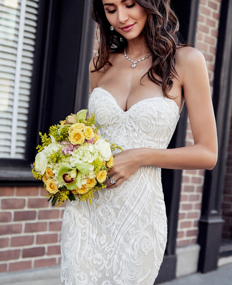 Buy 2019 Modern Sweetheart Mermaid Wedding Dress Unique Lace Appliques Bride Dress Sweep Train With Back Zipper for only 170.45 USD