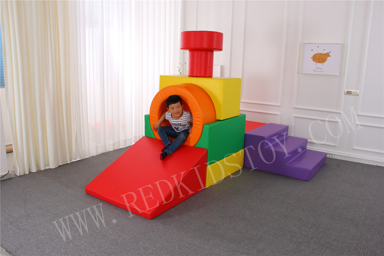 Équipement de jeu d'éponge d'intérieur pour enfants de terrain de jeu souple de sécurité sur mesure HZ61007