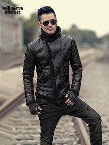 Image 2 - ผู้ชายสีดำฤดูหนาวอุ่น lamb ขนสัตว์ casual ชายเสื้อขนสัตว์ plush faux เสื้อแจ็คเก็ตหนังยุโรปสไตล์ F7146