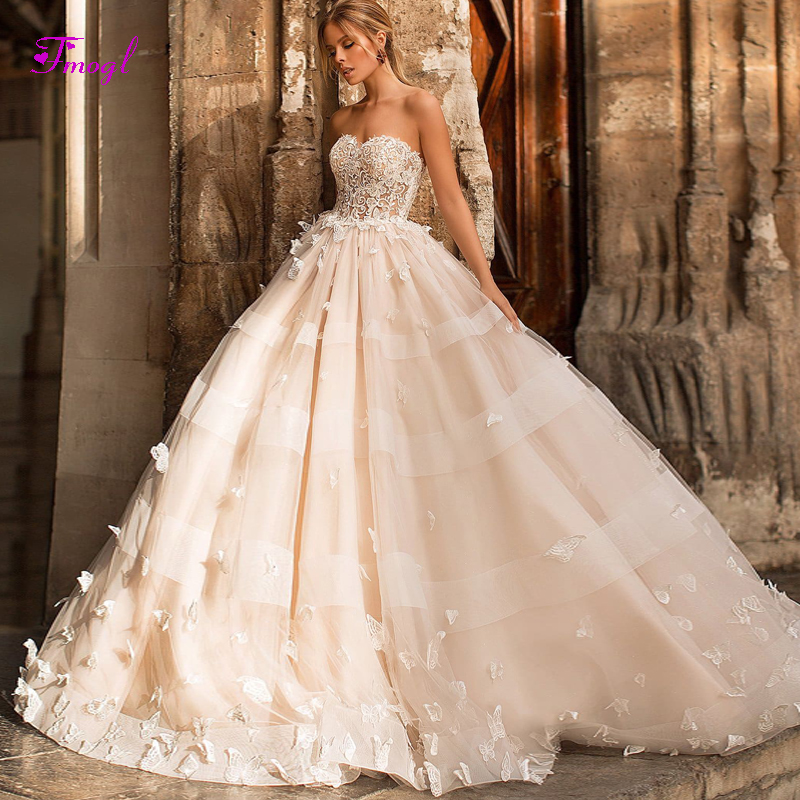 New Arrival Charming Strapless Lace Up A Line Wedding Dress 2019 Gorgeous Appliques Beaded Princess Bridal