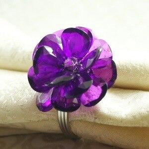 Акриловое кольцо для салфеток с цветами и бусинами