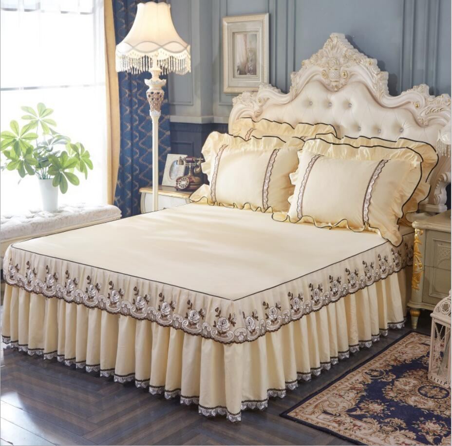 Korean Lace Bedspread Bed Skirt Pillowcases 1/3pc Girls Bed sheet Solid Mattress Cover Wedding Princess Bedding Home DecorationKorean Lace Bedspread Bed Skirt Pillowcases 1/3pc Girls Bed sheet Solid Mattress Cover Wedding Princess Bedding Home Decoration