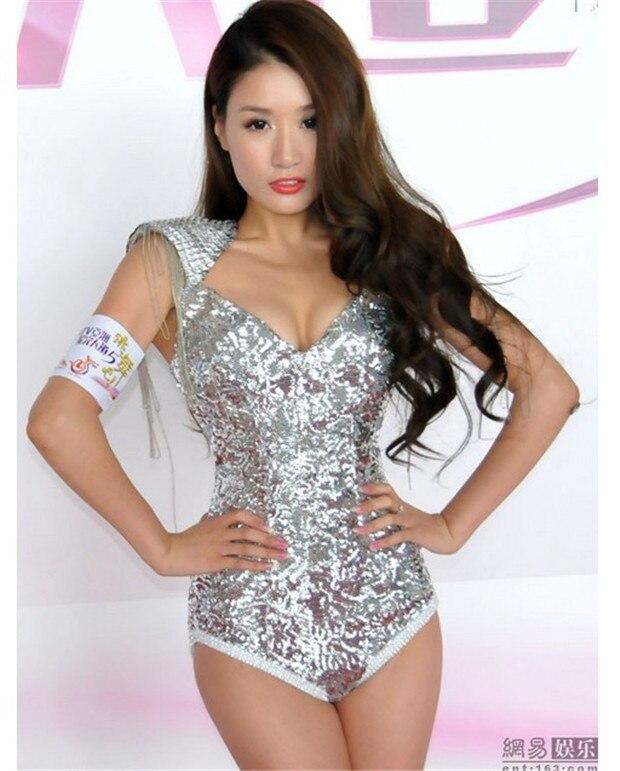 2017 Nouveau femmes jazz chanteur DJ DS stade costume d'épaule sexy justaucorps à paillettes glands femme sexy costume pour chanteur danseur star