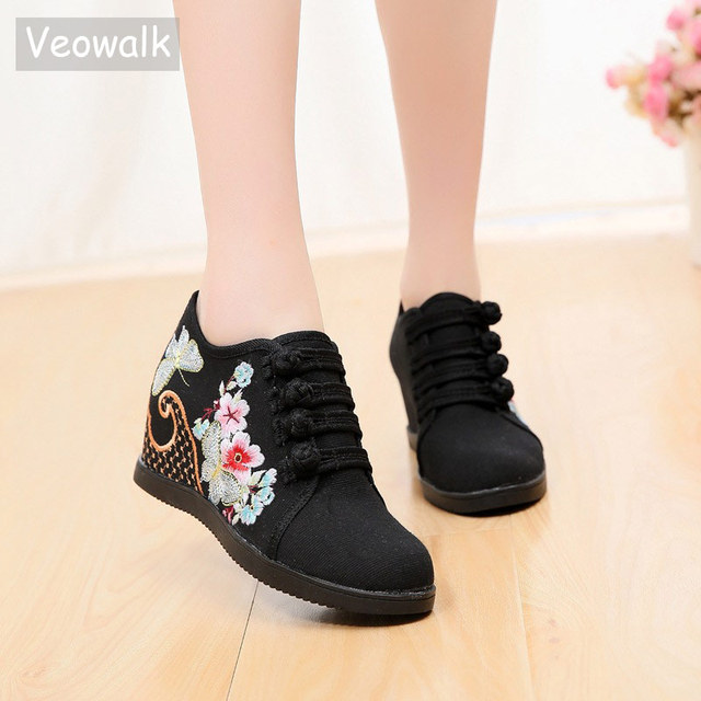 Veowalk Hidden Wedge Women Embroidered Canvas Sneakers, Low Top Denim Cotton Comfort Travel Shoes for Ladies Embroidery Creepers