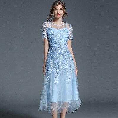Haut de gamme personnalisé femmes robes d'été 2018 été Net fil broderie slim robe avec manches courtes femmes robe