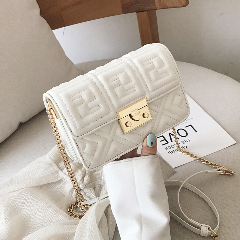 Small Bag 2019 Summer New Ladies Fashion Wild Single Shoulder Slung Chain Casual Embroidery Line Small Square Bag