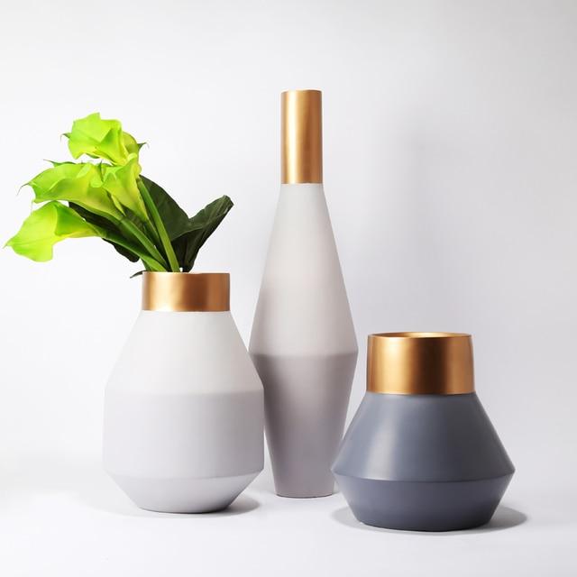 Luxury Flower Vase Resin Gold Tabletop Polyresin White Vase Set