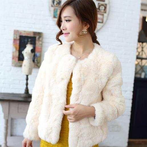 74063b6fefa80 placeholder Clobee femmes fausse fourrure manteaux 2018 hiver blanc fausse fourrure  manteau femmes moelleux chaud à manches