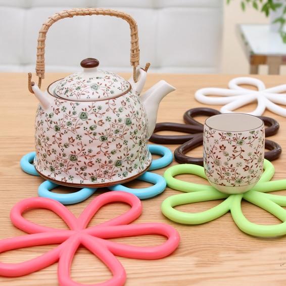 5 ks / hodně Krásný květ ve tvaru barevné silikonové kulatý stůl tepelně odolné Mat pohár Káva Coaster polštář prostírání