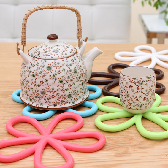 5 Pcs/lot Beautiful Flower Shaped Colored Silicone Round Table Heat Resistant Mat Cup Coffee Coaster Cushion Placemat Pad