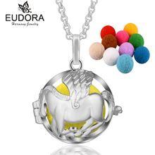 Ожерелье с подвеской в виде масел эфирных и помпоном
