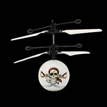 2018 Novo Zangão Voando Flash CONDUZIU a Iluminação de Indução Infravermelho Helicóptero Bola Criança Kid Toy Gesto-Sensing Não Precisa usar Remot