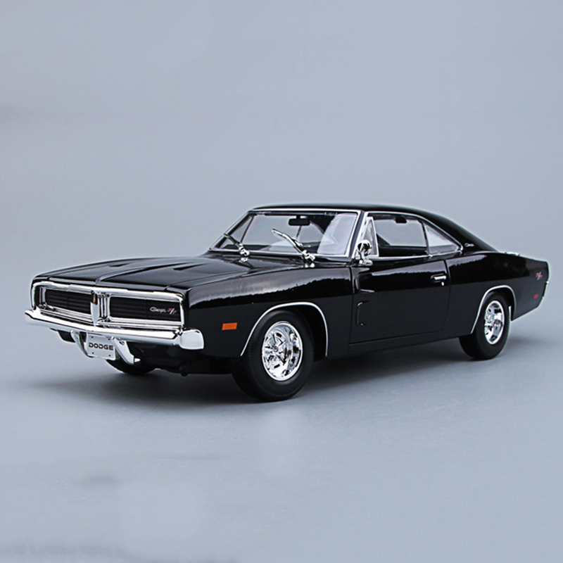 Maisto 1/18 1969 Dodge Charger R/T Diecast Car Model Black/Orange Color Alloy Muscle Car Model Collections With Box 1 18 scale red jeep wrangler willys alloy diecast model car off road vehicle model toys for children gifts collections