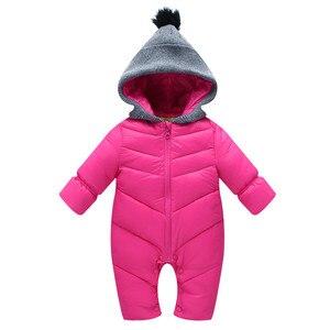 Image 1 - Zimowe kombinezony dla chłopców noworodka pajacyki z kapturem zagęścić ciepły kombinezon wyściełane niemowlę dziecko czerwone wiatroszczelne ubrania CL1003