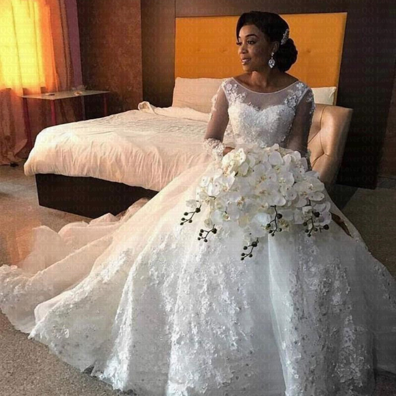 Luxury African Wedding Dresses Long Sleeves Scoop Lace Appliques Beaded Arabic Bridal Gowns 2019 New Fashion Custom Made