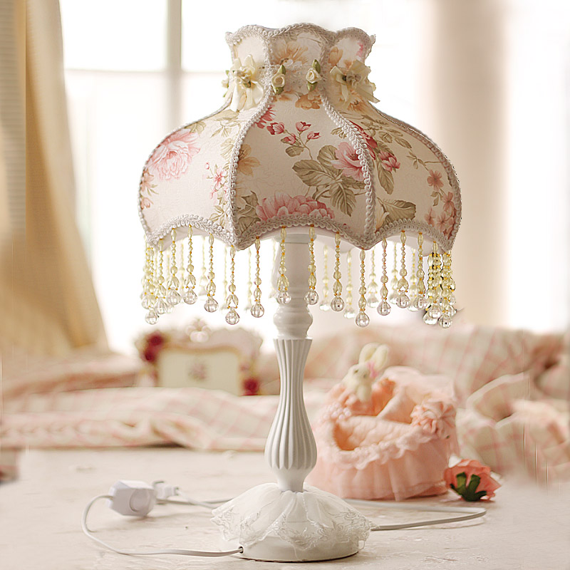 Princess table lamp bedroom bedside lamp warm light Korean garden style floral fabric lamp adjustable brightness c european style garden princess bedroom bedside lamp shade cloth fabric floral lace crystal simple dimmable