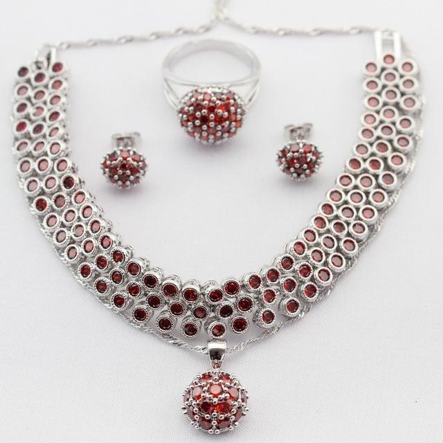 Imitado redondo Rojo Granate CZ Mujeres Juegos de Joyería Collar Colgante Stud Pendientes Anillos de Color Plata Pulsera de Regalo de la Feliz Navidad