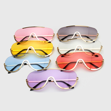 Retro Inspired Oversize Sunglasses
