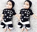 Новорожденного мальчика одежда Устанавливает Малышей хлопка девочка носить С Короткими рукавами Футболки + брюки 2 шт. bebe одежда наборы