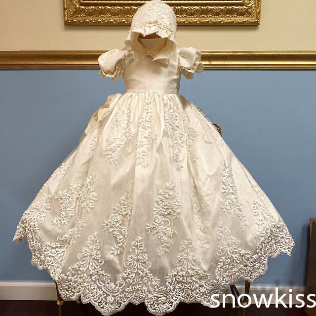 2016 Custom Made Charming  Long Christening Gown with Bonnet  Infant Girls Boys Toddlers Lace Appliques Baby Baptism Robe