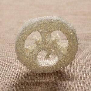 Image 3 - 100 Uds por encima de 6cm wide1.25 1,4 cm de espesor Natural Loofah Luffa Loofa Slice shand hecho DIY jabón herramientas de almacenamiento de jabón facial