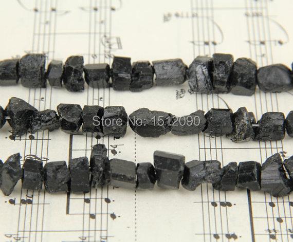 Grânulos perfurados turmalina naturais da microplaqueta, colar