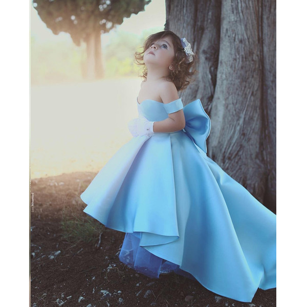Sky Blue   Flower     Girls     Dresses   Elegant Off Shoulder High Low Satin Sleeveless Kids Pageant Gowns With Bow First Communion   Dress