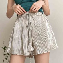 Women clothes 2019 Shorts Female Seaside Beach Holiday Korean Edition Leisure Loose Fluorescent Mulberry Pleated shorts
