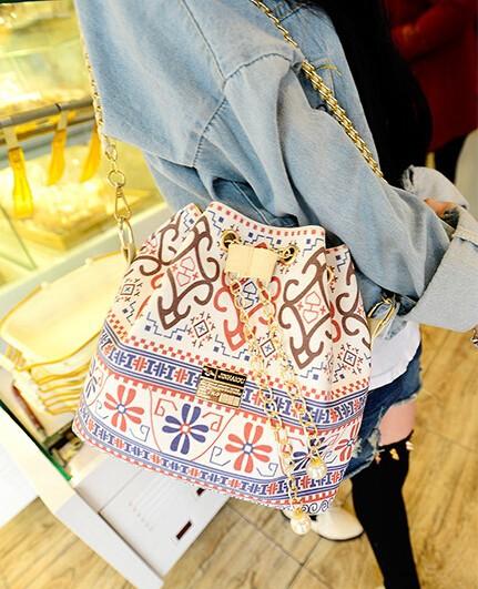 flower small cross-body bag3