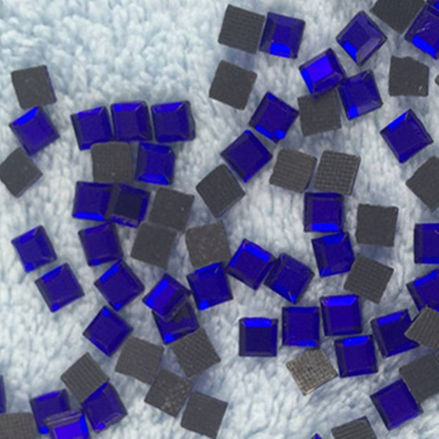 1440pcs lot 4 4mm Royal Blue Rhinestones Square Diamonds Crystals For Decoration  Stones Rhinestones fdbf5896f80e