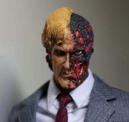 1:6 scale male Figure accessories Batman The Dark Knight Two-Face head shape carved for 12 Action figure doll die shi spot burning the soul of a model burns 1 6 head carved figures are base contains mask