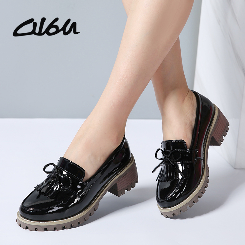 O16U Women Flats Shoes Tassel Knot Patent Leather Loafers Med Heel Shoes Boat Women Moccasin Mules