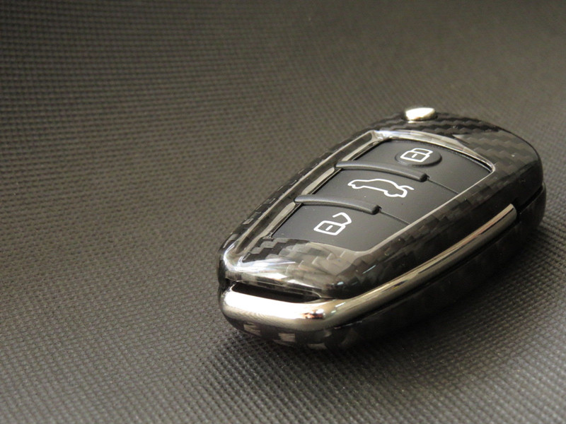 Gerçek Karbon Fiber Uzaktan Çevirme Anahtar Kapak Durumda Kabuk için Audi A3 A4 TT A6